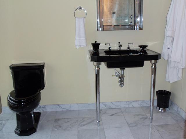 KOHLER Kitchen & Bathroom Products at V & W Supply Showroom in ...